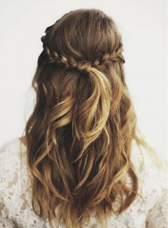 8 Pretty Hair Styles That Take Under A Minute
