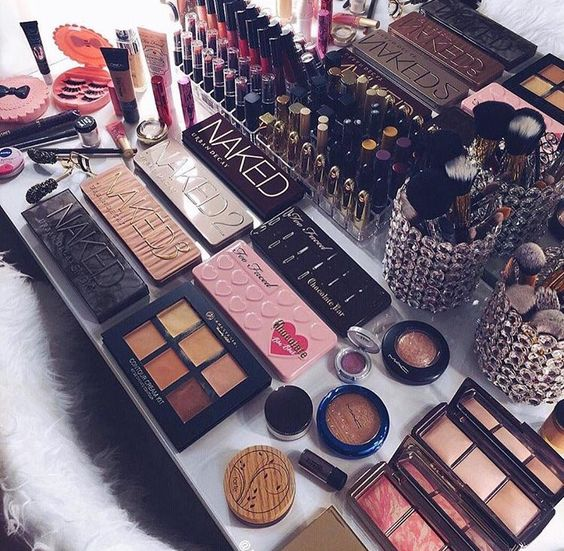 7 Ways to Revamp Your Beauty Collection Without Spending $$$