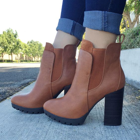 How to Wear Chunky Heels