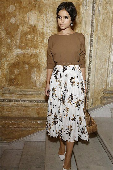8ace22f56a1 How to Wear Midi Skirts - 20 Hottest Summer  Fall Midi Skirt Outfit ...