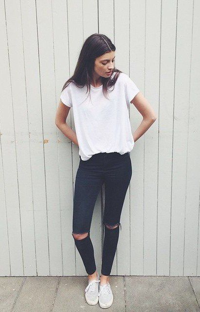 7 Tips on How to Wear a Basic Tee - Fashionable Simple T-Shirts