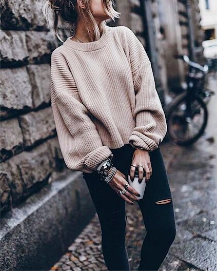 bf812b3d2b How to Wear Oversized Clothes - 7 Tips on How to Rock Oversized ...