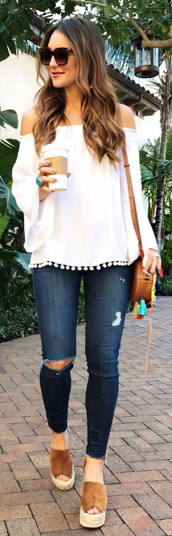 5d0230d360004 25 Flirty Outfits To Wear This Spring 2019 - Outfit Ideas for Women ...