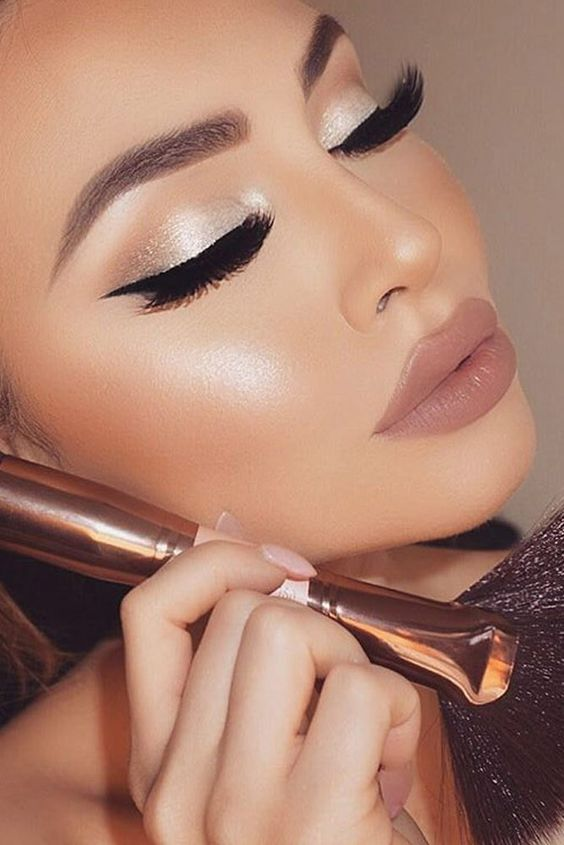20 Glamorous Eye Makeup Looks