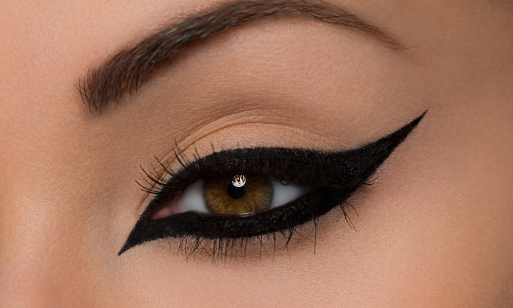 How To Pull Off Smudged Eyeliner Her Style Code