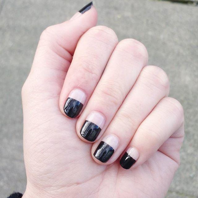 20-gorgeous-minimalist-nail-design-ideas-3