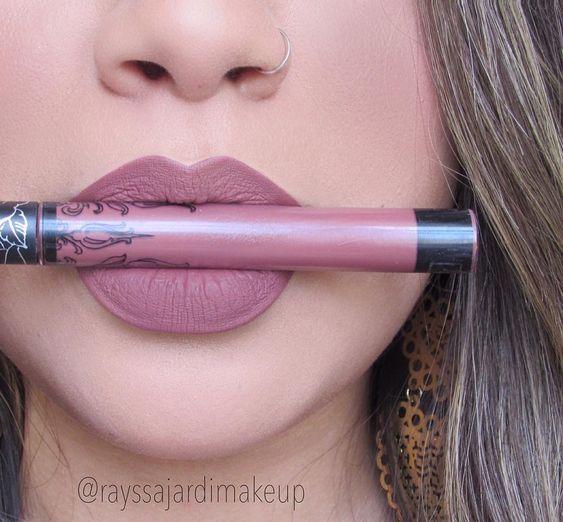 """Everlasting Liquid Lipstick Kat Von D - Lolita """