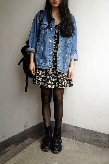Doc Martens are perfect with every kind of outfit #docmartens #bluebanana