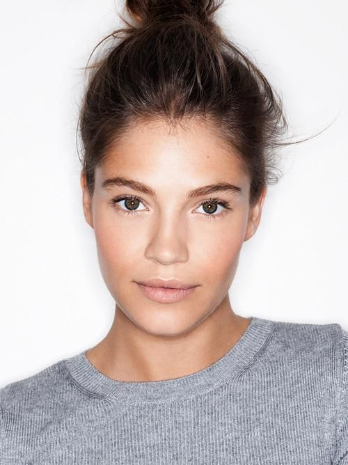 Photo: Henry Leutwyler We've seen it everywhere from runways to magazine covers —the no-makeup makeup look. The concept is simple: makeup that complements your features, without it looking like you are actually wearing any at all.  Related: Get Perfectly Flushed Winter Cheeks The focus is on perfecting the skin, so start with concealing any blemishes. Use a yellow-based concealer to cover any red or purple color around the eyes.