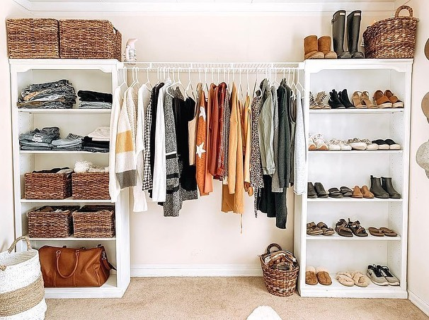 minimalist wardrobe home 7 Tips for Having a Minimalist Wardrobe
