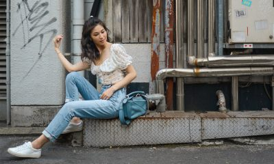 How to Wear White Sneakers How to Wear White Sneakers: Styling Tips & Outfit Ideas (Female)