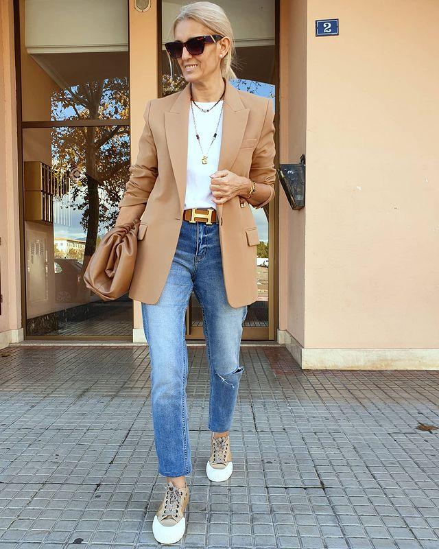 what to wear with a blazer female fashion right now 60211efdc741a How to Style a Blazer (Female) && What to Wear with a Blazer