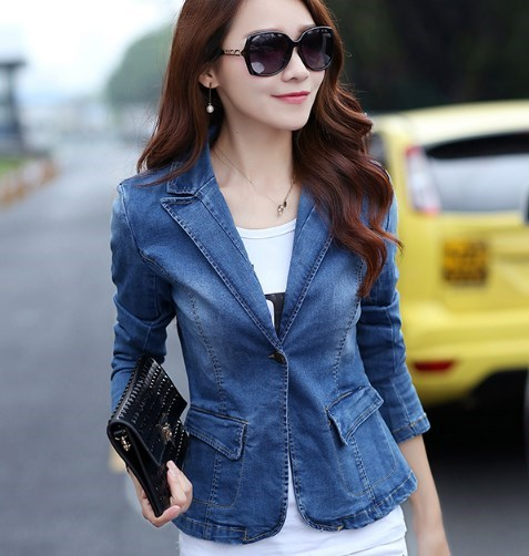 what-to-wear-with-a-blazer-female-fashion-right-now_herstylecode-11