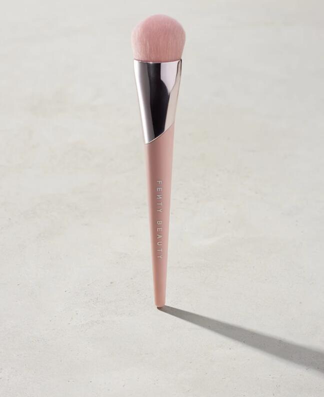 Fenty Beauty Full-Bodied Foundation Brush 110