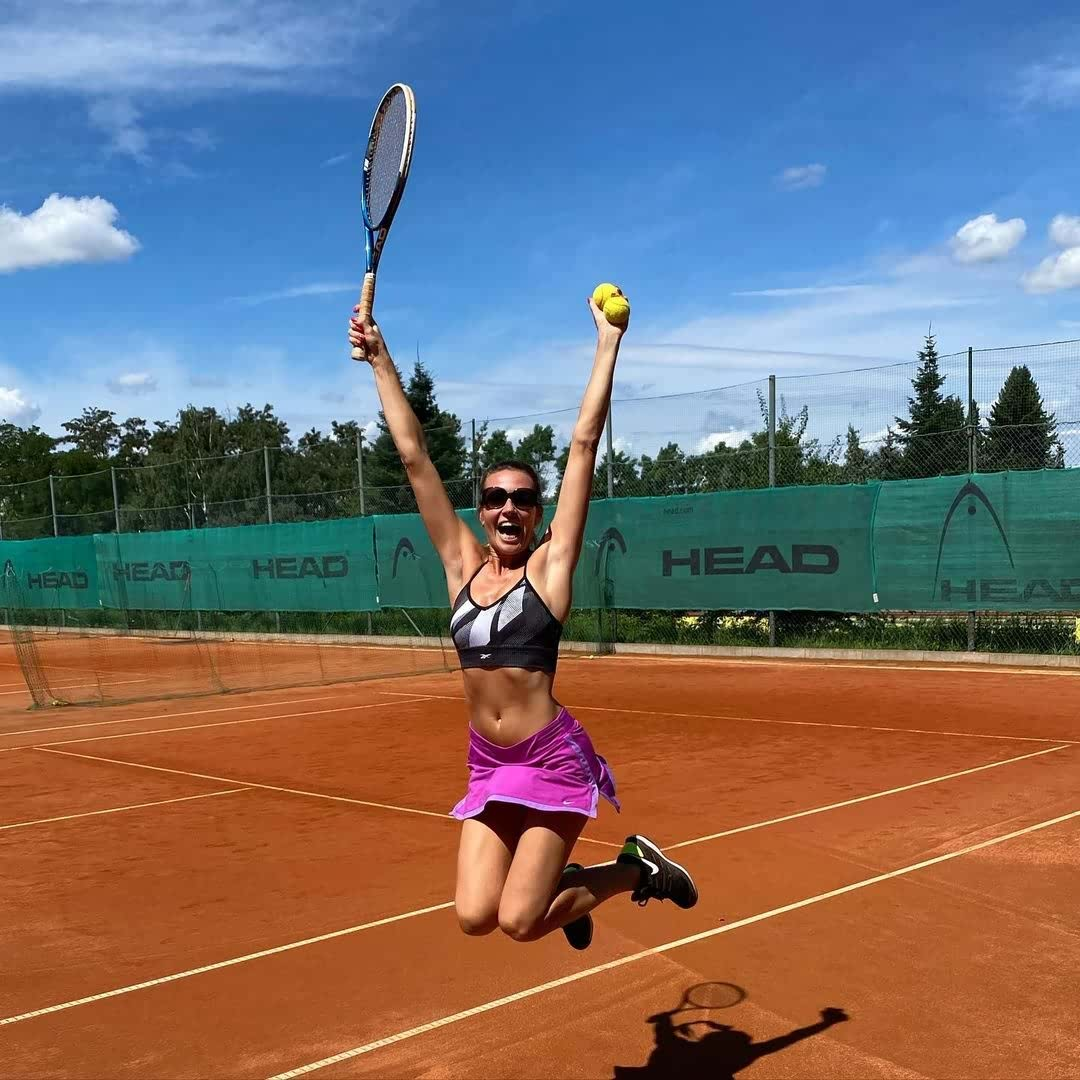 Tennis girl How to Get the Perfect Style for Your Exercise Regime