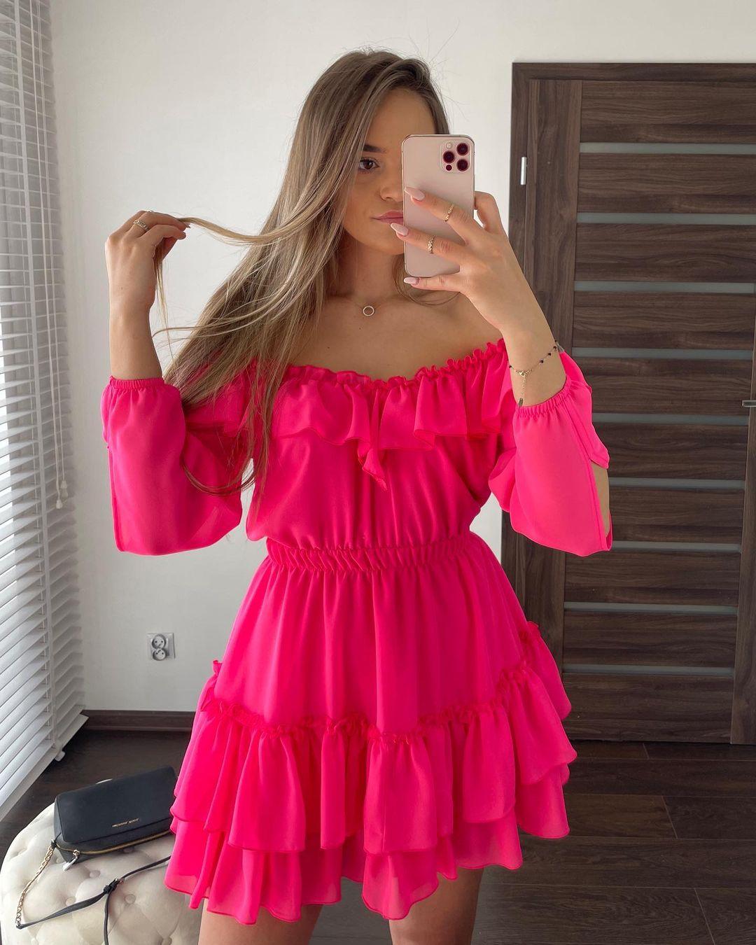 veissey.pl 185557027 476935620206475 4716923982544178809 n 1 Alternatives to the LBD (Little Black Dress)