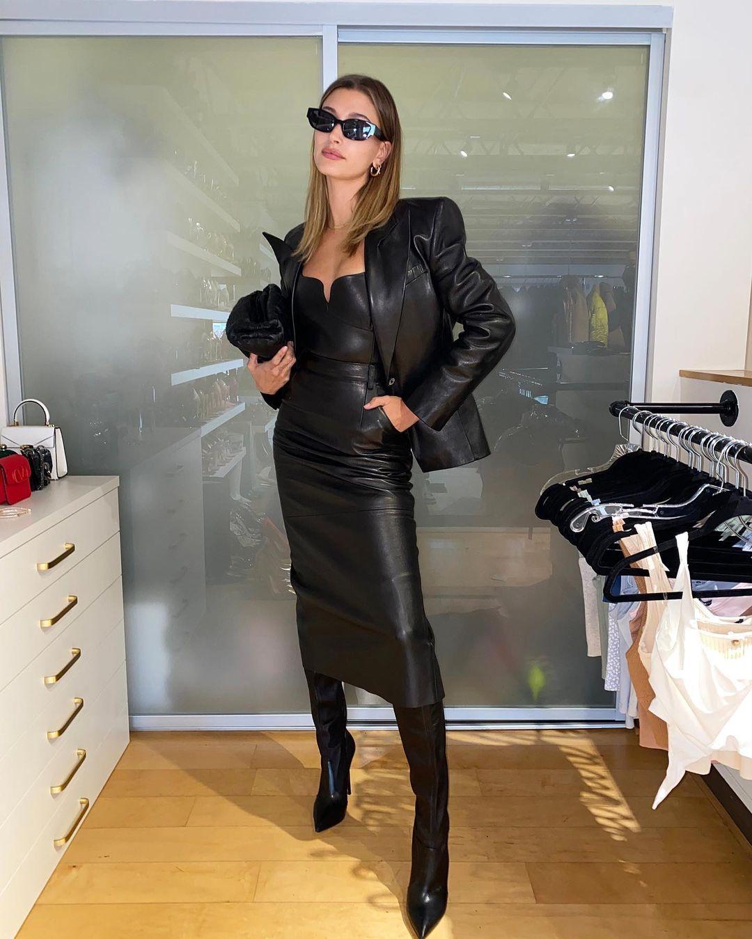 whowhatwear 159384436 189773729259725 3065947423699521775 n Alternatives to the LBD (Little Black Dress)