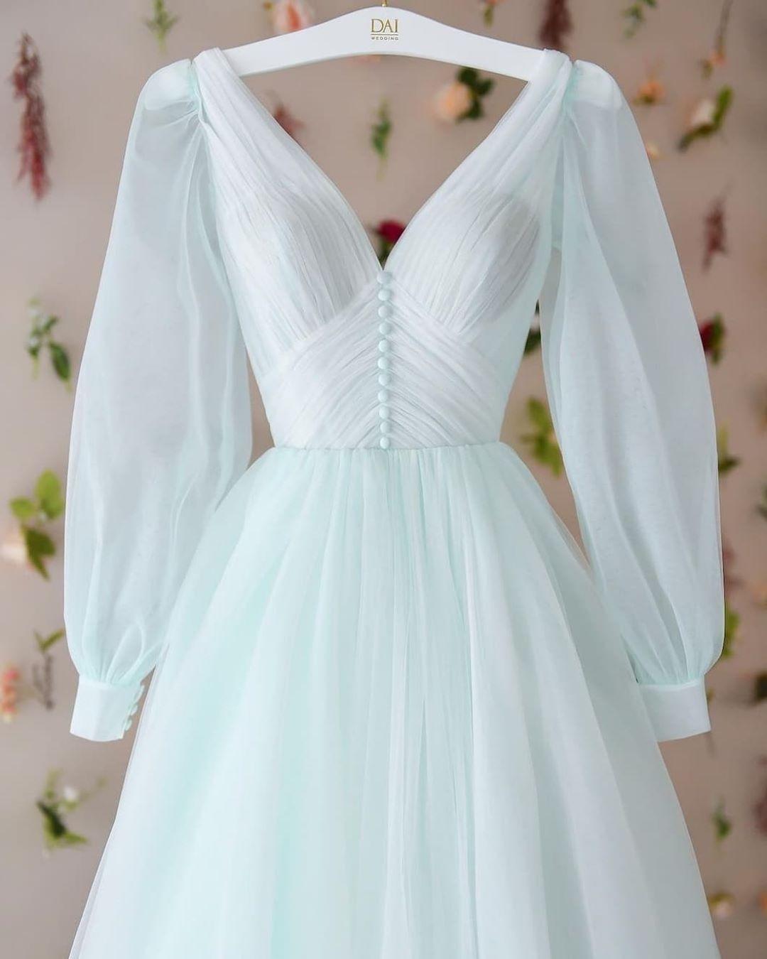 weddingforward 240114489 321326713122127 2318407748063013346 n Alternatives to the LBD (Little Black Dress)